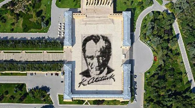 6 bin kişi ile Atatürk portresi