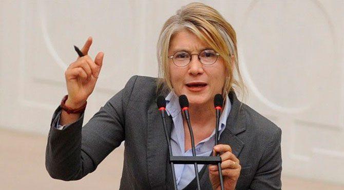 Турция – новое время: Смелая женщина депутат от CHP Emine Ülker Tarhan