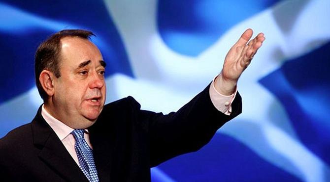 İskoç lider istifa etti
