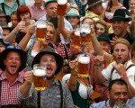Bir haftada 1 milyon litre bira tükettiler