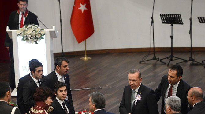 Feyzioğlu'ndan tören resti