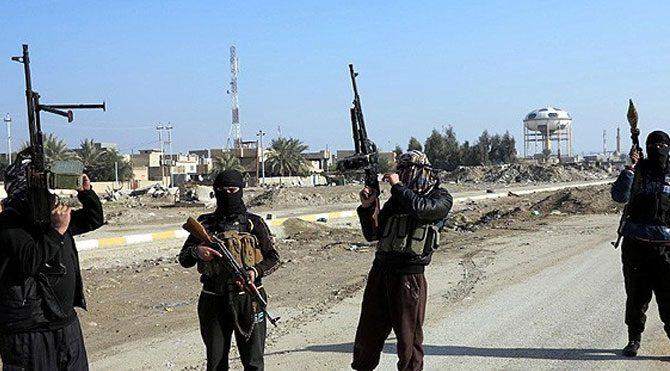 IŞİD 300 PKK'lıyı kurşuna dizdi!
