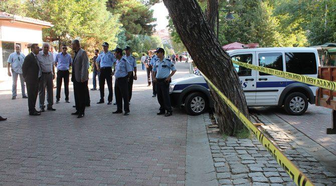 Atatürk kaidesine polis engeli!