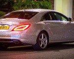 Mercedes'ini milyonlarca swarovskiyle kapladı