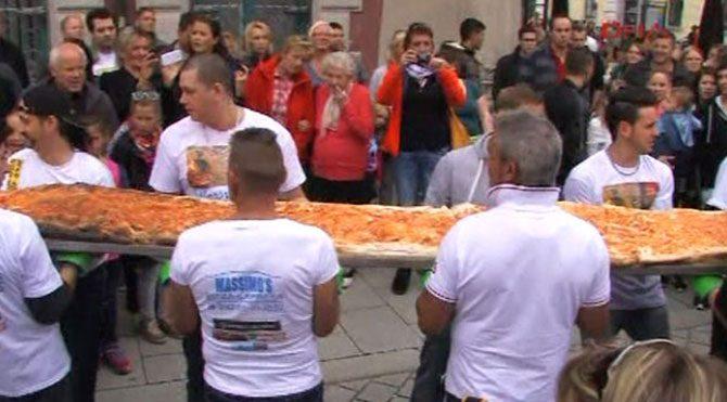 Dünyanın en büyük pizzasını yaptılar