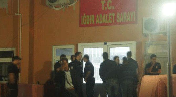 Okul yakan PKK'lılar tutuklandı