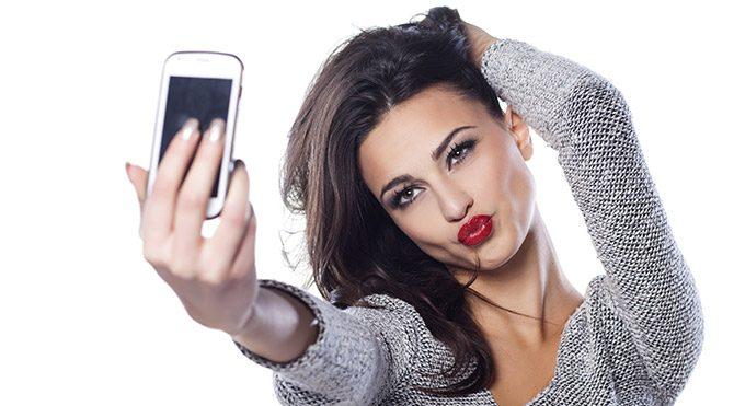 Selfie çekerek 38 kilo verdi