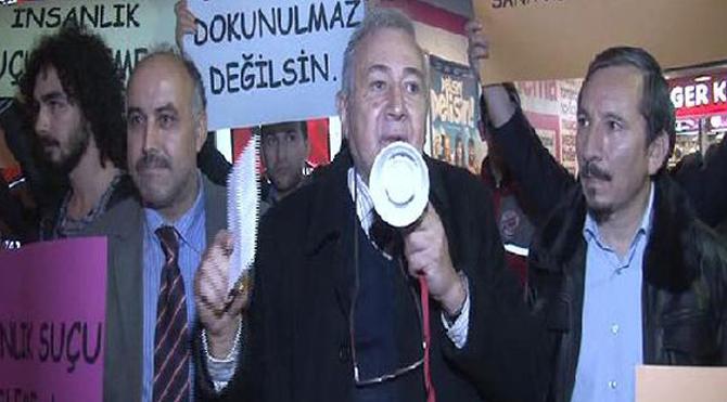 Cem Yılmaz'ın filmine protesto!