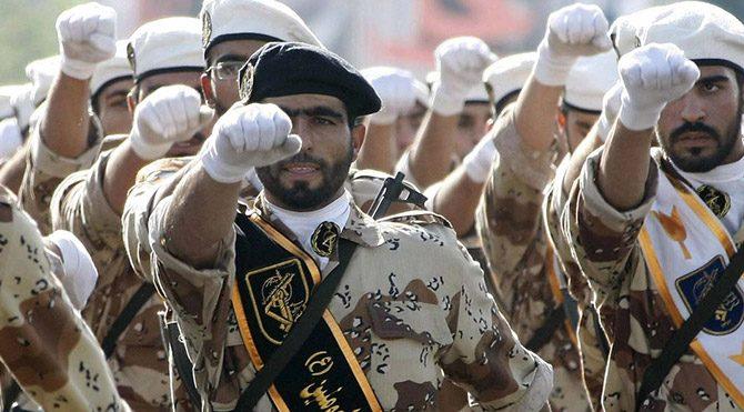 İran'dan Pakistan'a sınırötesi müdahale uyarısı