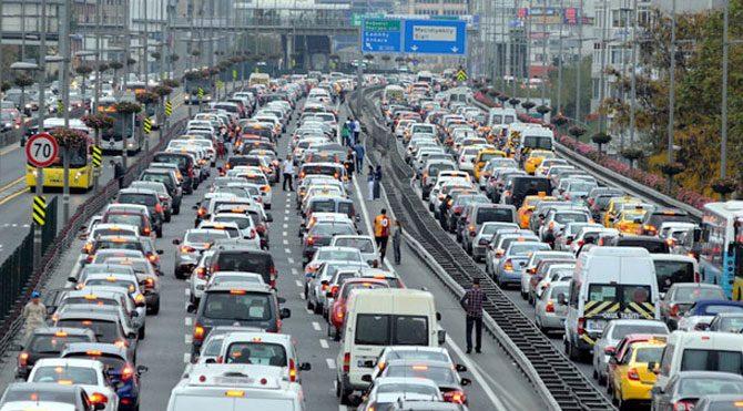 Trafiğe çıkan araç sayısı düştü