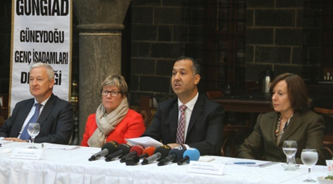 AB'li üç büyükelçi Diyarbakır'da