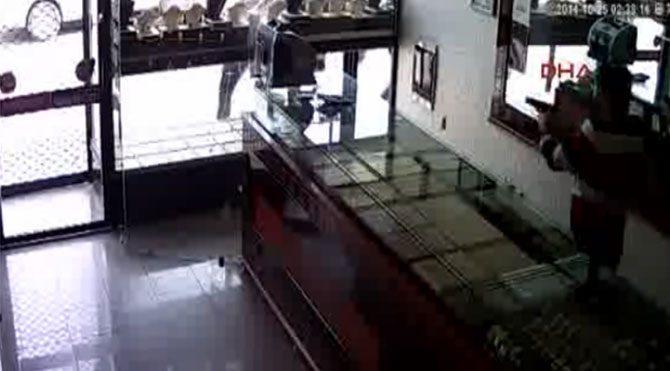 Balyozlu soygun kamerada