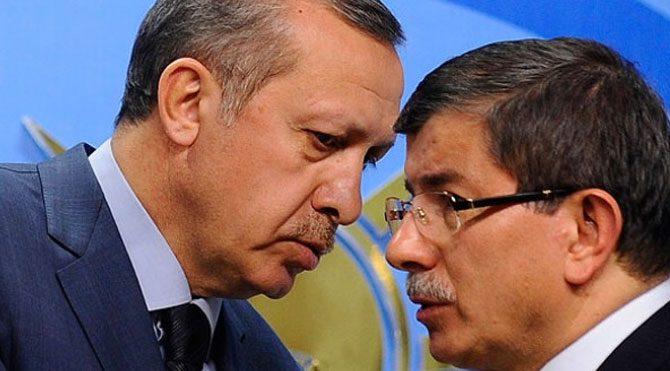 Erdoğan-Davutoğlu arasında köstebek krizi!