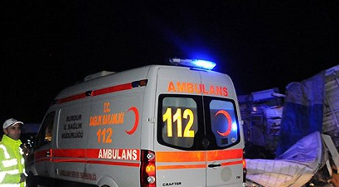 Yozgat'ta otomobil şarampole devrildi