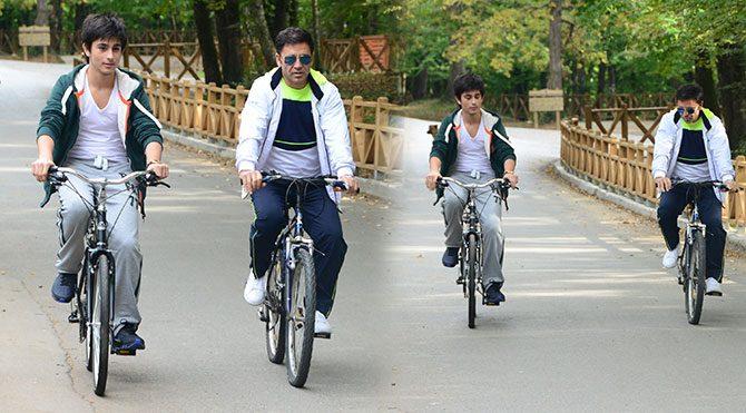 Mustafa'nın bisiklete bindiğine bakmayın