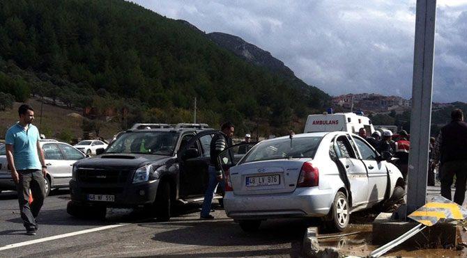 Bakan Canikli'nin konvoyunda kaza