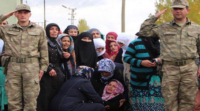 Şehit Kürtçe ağıtlarla uğurlandı
