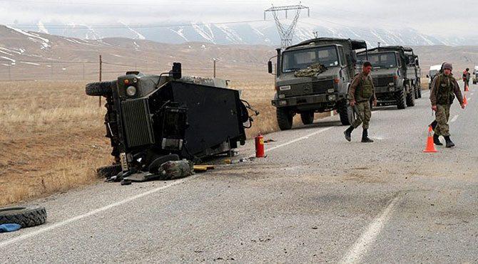 Samsun'da askeri araç kaza yaptı