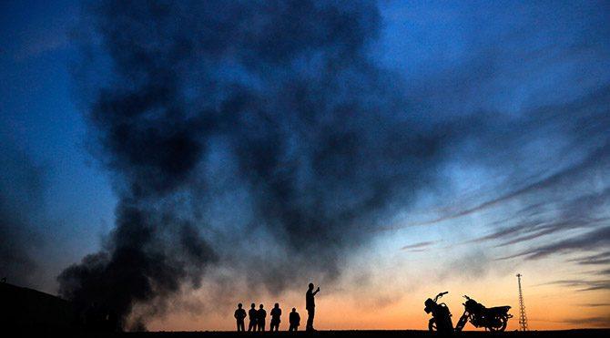IŞİD Kobani'yi ateşe verdi