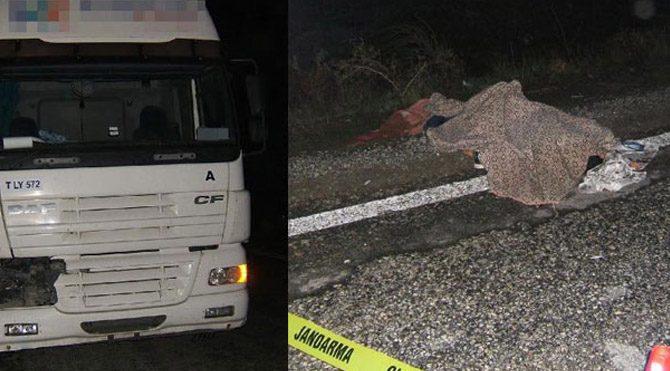 TIR'ın çarptığı 3 lise öğrencisi öldü