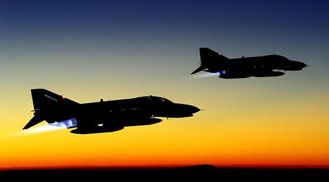 Keşif uçakları Kuzey Irak'ta