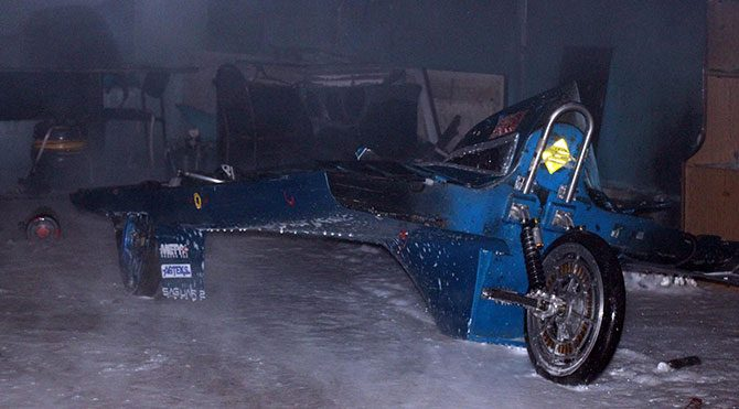 Ödüllü araçlar yandı