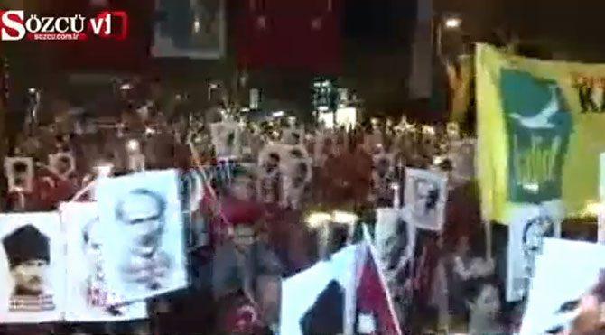 Kadıköy'de ''Büyük Cumhuriyet'' yürüyüşü
