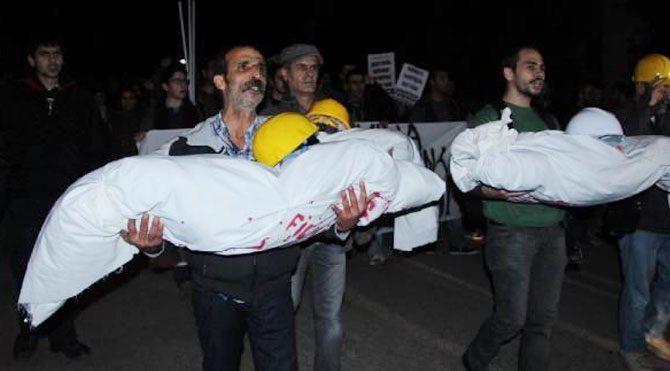 Validebağ'da kefenli protesto!