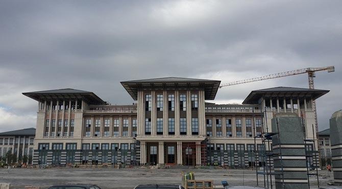 'Kaç-AK Saray açılışı iptal edilmeli'