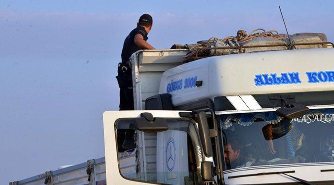 Bursa'da patlayıcı yüklü kamyon alarmı