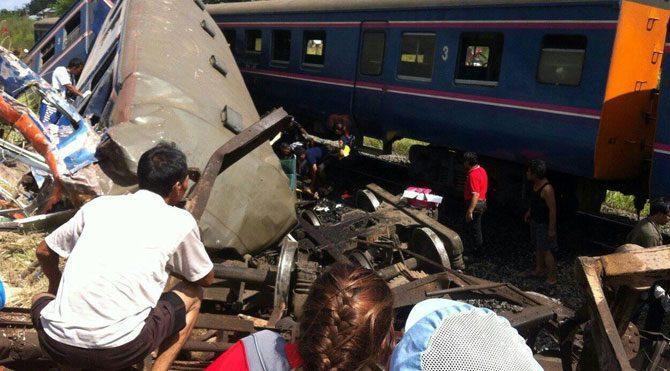 Tayland'da tren kazası: 5 ölü 30 yaralı