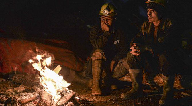 Maden altındaki 18 işçi için mucize bekleniyor