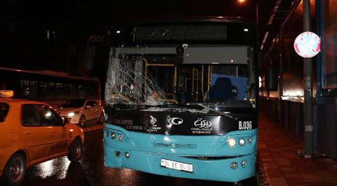 Halk otobüsü panelvana çarptı