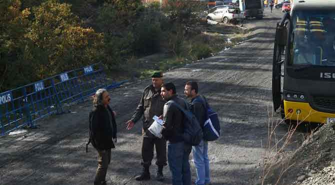 Bakan Elvan'dan gazetecilere sansür
