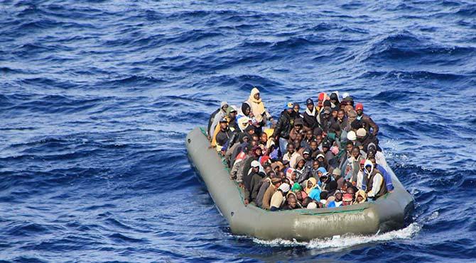 İngiliz yetkiliden 'mülteci teknelerini kurtarmayın' çıkışı