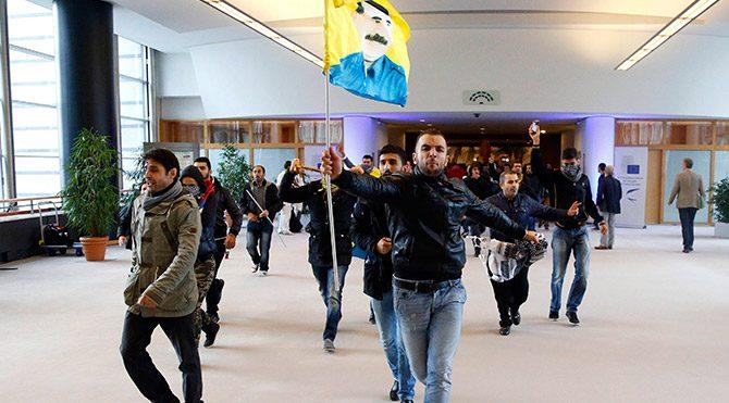 PKK yanlıları Avrupa Parlamentosu'nu işgal etti