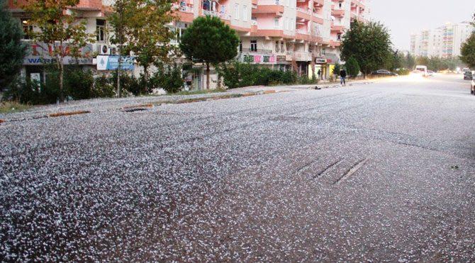 Diyarbakır'da dolu etkili oldu!