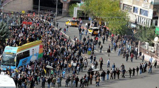 Diyarbakır'da Kobani yürüyüşü