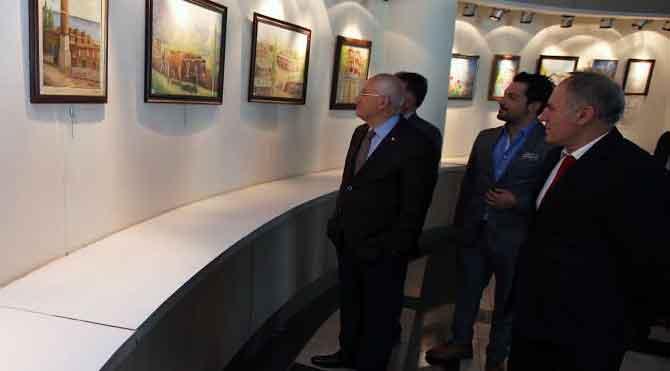 Yaşar resim sergisi açtı