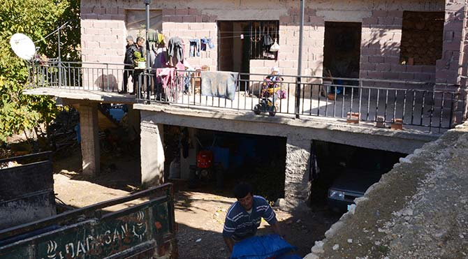 Ermenek'te madenci ailelerine 'kömür' yardımı