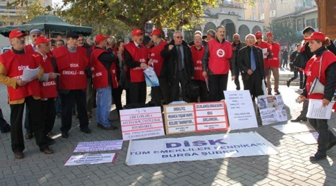 Emeklilerden zamlara protesto!