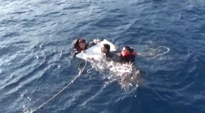 Denize açılan kaçaklar böyle kurtarıldı