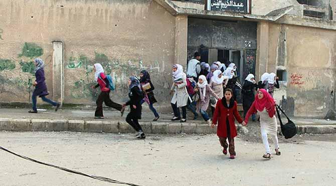 Şam'da okula havan topu saldırısı: 17 ölü