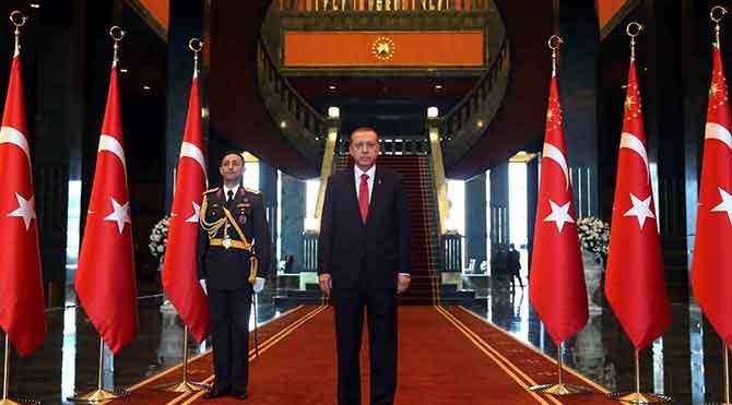 Independent: Yeni Sultan'ın yeni sarayı
