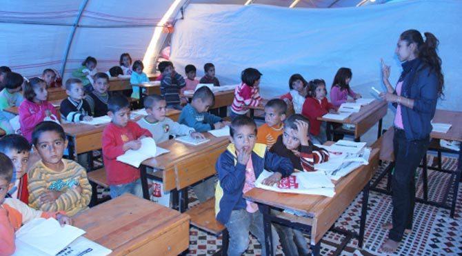 Kobanili çocuklar çadır okula kavuştu