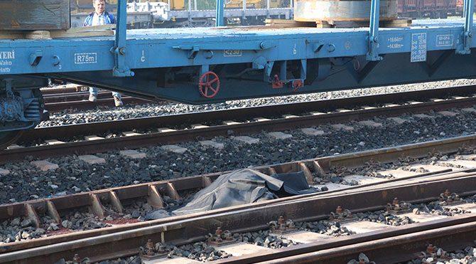Trenin çarptığı liseli öldü