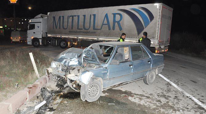 Yozgat'ta iki otomobil çarpıştı!