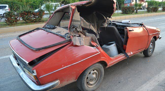 Kurtarıcı otomobili biçti: 2 yaralı