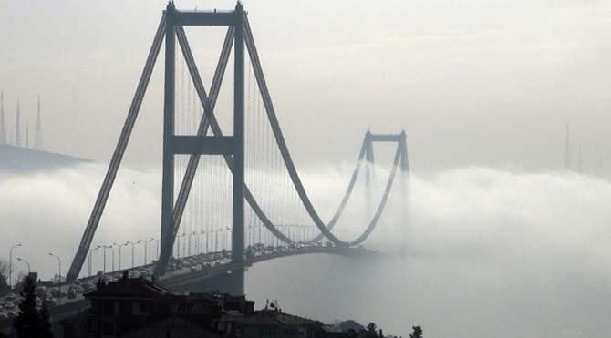 İstanbul Boğazı sise teslim