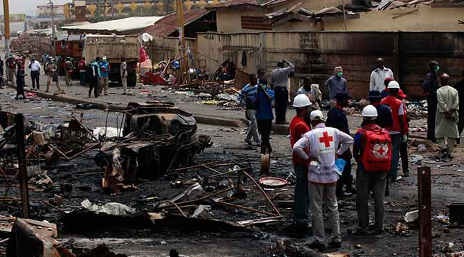 Nijerya'da ortaokula bombalı saldırı: 47 ölü